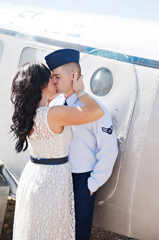airplane engagement photography