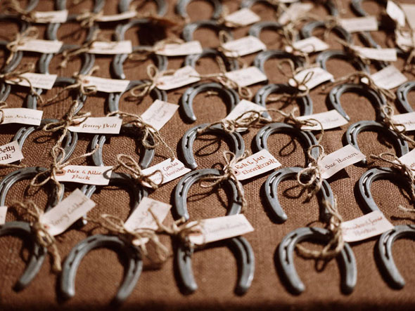 horseshoe place cards big sky wedding