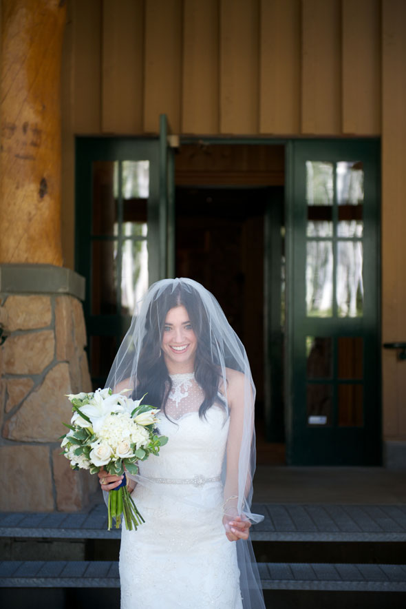 lace bridal gown from alta moda bridal for park city summer wedding- photo by dezember