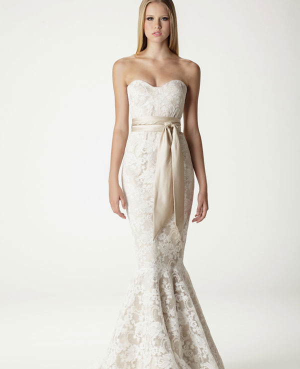 Aria lace wedding dress in mermaid fit