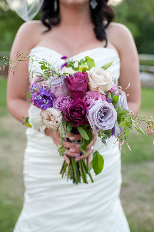 plum ombre bridal bouquet in utah- photo by amy cloud