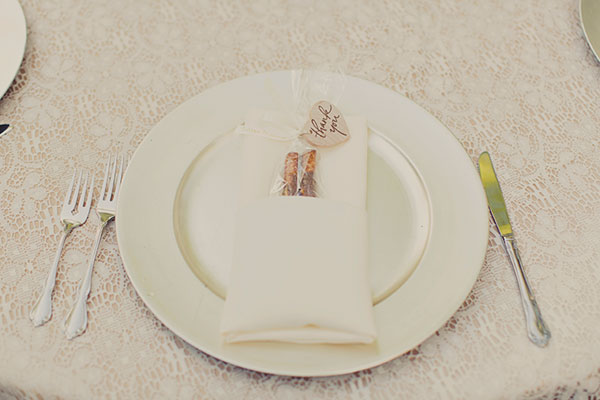 place setting and thank you gift at wedding in salt lake city- photo by alixann loosle