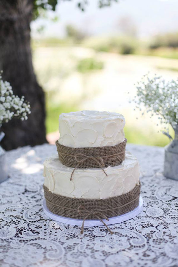buttercream and burlap wedding cake in utah